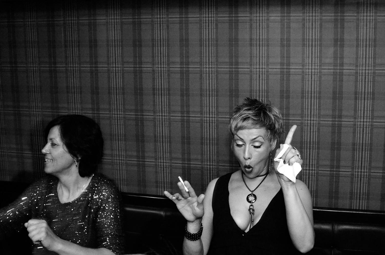 romanian-womens-having-fun